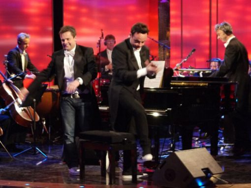 ANT & DEC PLAY PIANO